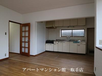 【居間・リビング】コンフォース米ノ井