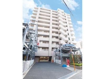都営新宿線「篠崎」駅より徒歩約10分の立地です。