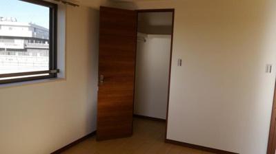各居室収納付きでお部屋もスッキリと片付きます。