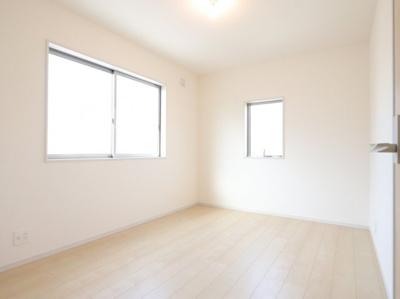 明るい洋室です:建物完成しました♪吉川新築ナビで検索♪