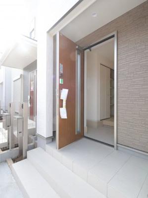 ゆったりとした玄関です:建物完成しました♪吉川新築ナビで検索♪