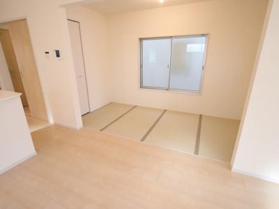 来客時にも便利な和室付き:建物完成しました♪吉川新築ナビで検索♪