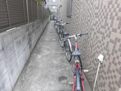 新千葉小川マンションの駐輪場2