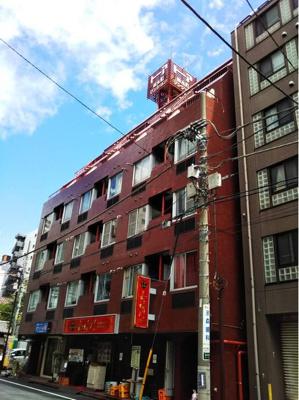 東京メトロ日比谷線「小伝馬町」駅徒歩約4分の立地です。
