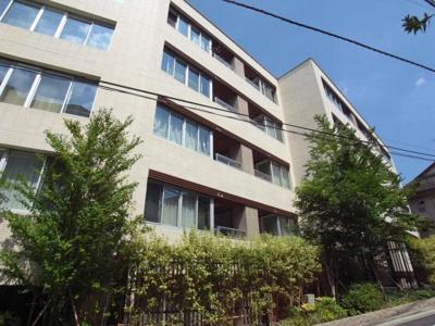 早稲田駅徒歩4分の好アクセスで2駅利用可能な立地です。