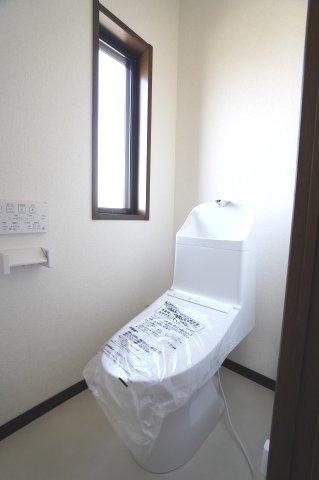 2階トイレ 新品交換済みです。