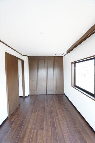 各居室シンプルな洋室で使いやすいです。家具のレイアウトも楽しみです。