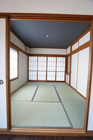 6帖 玄関から直接出入りできるので急な来客にも対応できます。