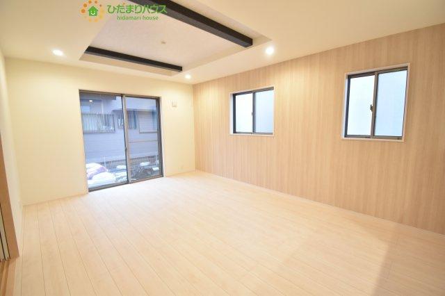 【居間・リビング】伊奈町栄5丁目 2期 新築一戸建て ブルーミングガーデン 01