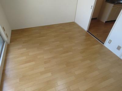 【寝室】グリーンライフ・サワ