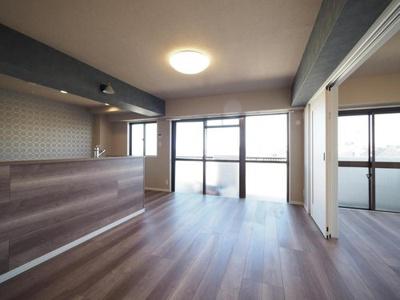 LDKと洋室は開放的な続き間としてもご利用いただけます。