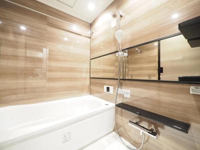 追焚機能・浴室乾燥機付ユニットバスに新規交換済。