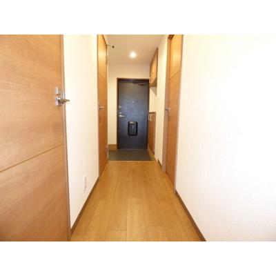 ゆったりとした玄関です 【COCO SMILE ココスマイル】