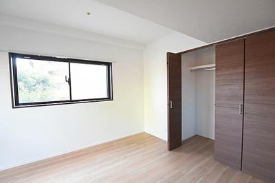 大容量の収納スペースがありお部屋をスッキリまとめられそうです。