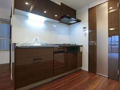 家事の時短に役立つ食洗機付きのキッチンです。