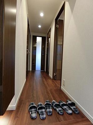 玄関からお部屋が見えづらいつくりになっています。