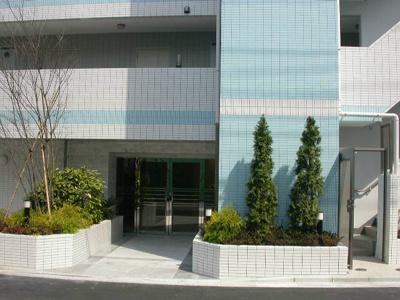 【エントランス】ラ・エテルノ菊川