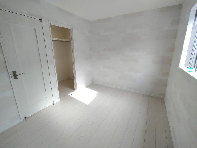 3階の洋室はどちらもウォークインクローゼット付き。たくさんの衣類を収納でき衣替えの手間も省けますね。