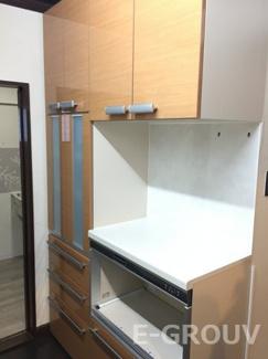 キッチンには食器棚が付いています♪