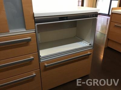 オーブンなどが置けるスペース付きの食器棚