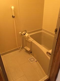 【浴室】ヴィランA