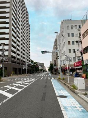 【前面道路含む現地写真】大町東 事務所使用可能戸建