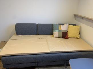 【寝室】アパートメント栄町