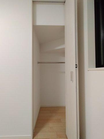 1階洋室(4.3帖)収納部分になります。