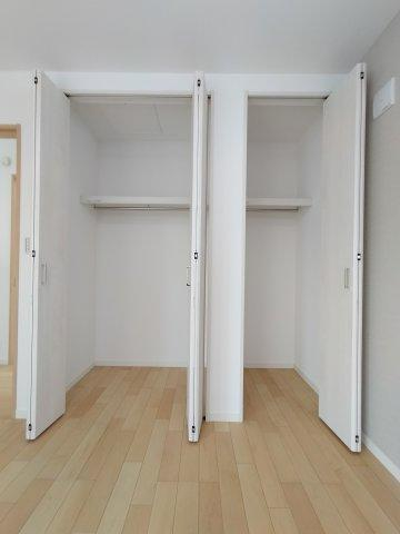 3階洋室(7.4帖)収納部分になります。