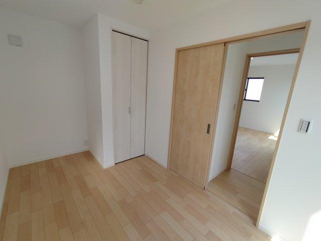 3階洋室(5.1帖)別角度になります。