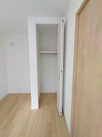 3階洋室(5.1帖)収納部分になります。