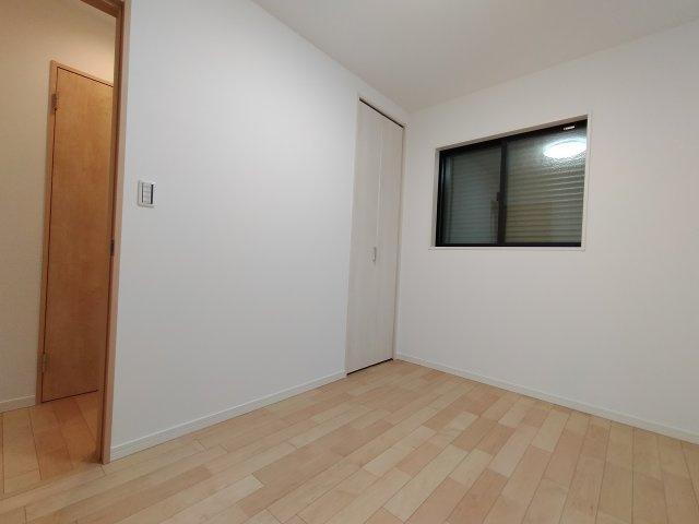 1階洋室(4.3帖)になります。