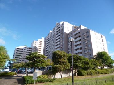 三浦海岸駅のシンボル的なマンション。総戸数297戸。