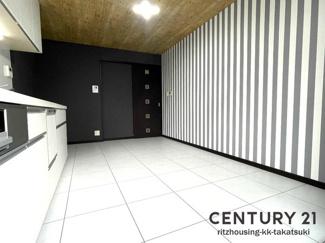 床暖房付きDK! システムキッチン新調!クロス張替え、フロアタイル施工!