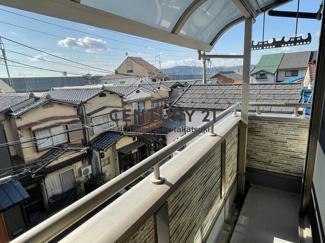 南向きバルコニーにはテラス屋根付き!