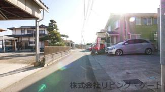 建物前の道路