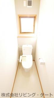 2階トイレ新品交換済み