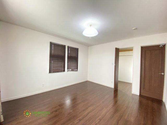 【寝室】久喜市西大輪4丁目 中古一戸建て