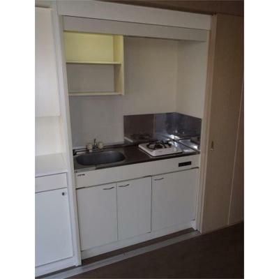 K-16のキッチン