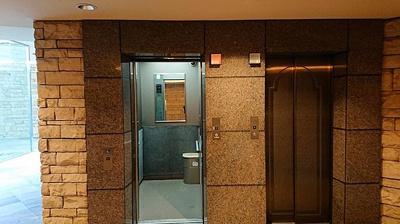 エレベーターで上階への移動もスムーズです。