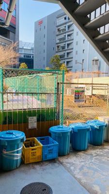 敷地内にゴミ置き場があり、曜日を気にせずゴミを出す事ができます。