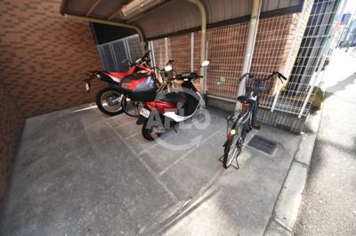 サムティ阿波座Lusso バイク置き場