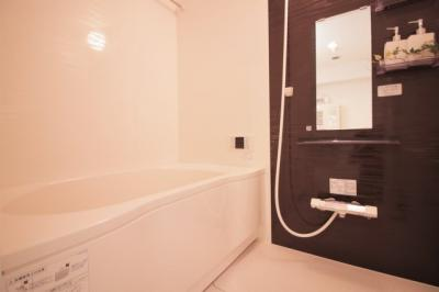 ユニットバス・給湯器新調いたしました♪ 追い焚き機能・浴室乾燥機が付いています