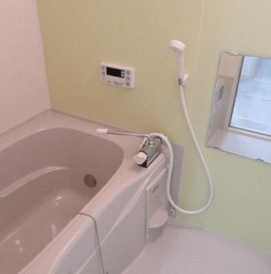 【浴室】年収400万円★設計住宅性能評価書取得済★尼崎市一棟収益アパート