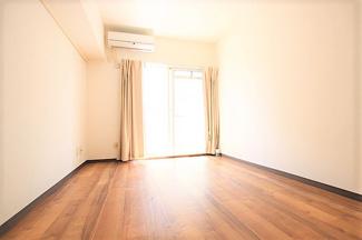 【居間・リビング】ポケットハイツ本厚木106号室