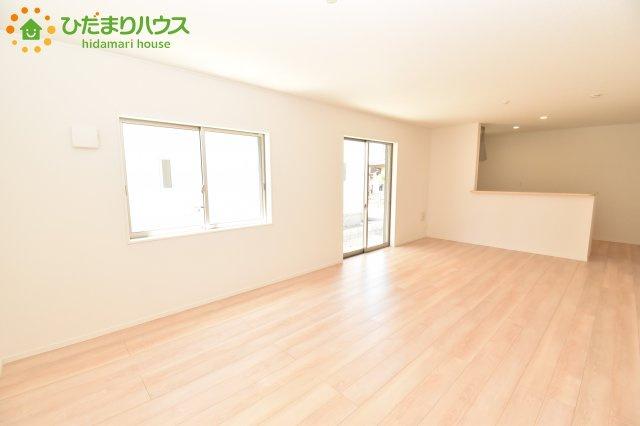 【居間・リビング】西区プラザ第4 新築一戸建て クレイドルガーデン 02