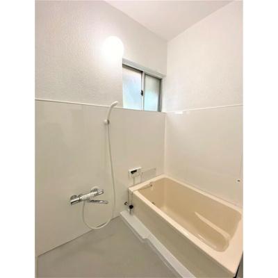 【浴室】港区多加良浦町賃貸戸建