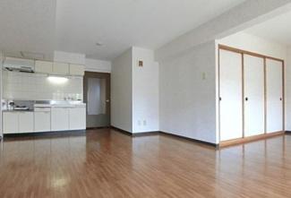 【キッチン】《高稼働!RC造9.01%》千歳市高台2丁目一棟マンション