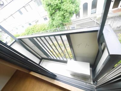 バルコニーは2階のみ
