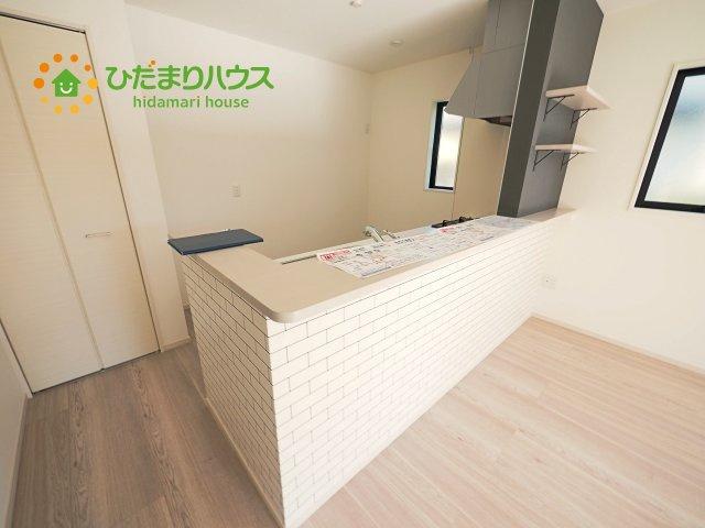 リビングが広く感じる設計のオープンキッチンです!